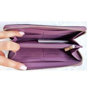 Coach Bags - 🆕️Coach large pebble accordion zip wallet💵💳😈